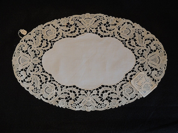 Vintage Linen Madeira Lace Cutwork Oval Doily.. Unused With Original Tags