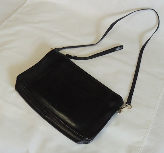Vintage 60s-70s Coach Basic Black Leather Clutch / Shoulder Bag Purse, NYC