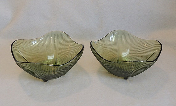 2 Vintage Mid Century Olive Green Ribbed Glass Bowls.. Wavy Square Shape (#2)