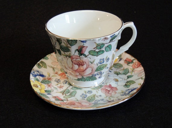 Vintage Duchess Chelsea Garden English Bone China Cup & Saucer.. Floral Chintz
