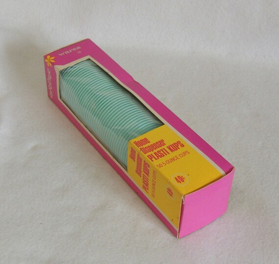 Vintage 1960s Carefree Wares 5 oz. Plastic Cups NOS.. Advertising TV Movie Prop
