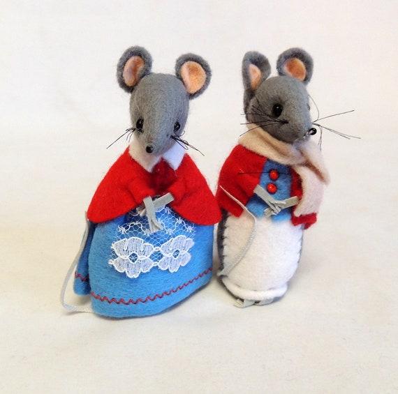 Vintage English Hand Made Felt Mouse Couple Mr. and Mrs. William Wensleydale