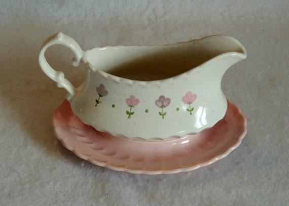 Vintage Metlox China Vernon Ware Pink Lady Gravy Boat.. Mid Century