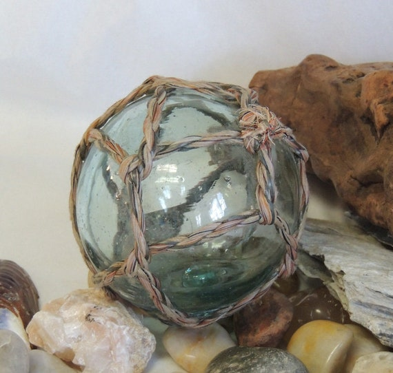 Vintage Japanese Glass FISHING FLOAT With Very Nice Tight Full Original Net (#1)