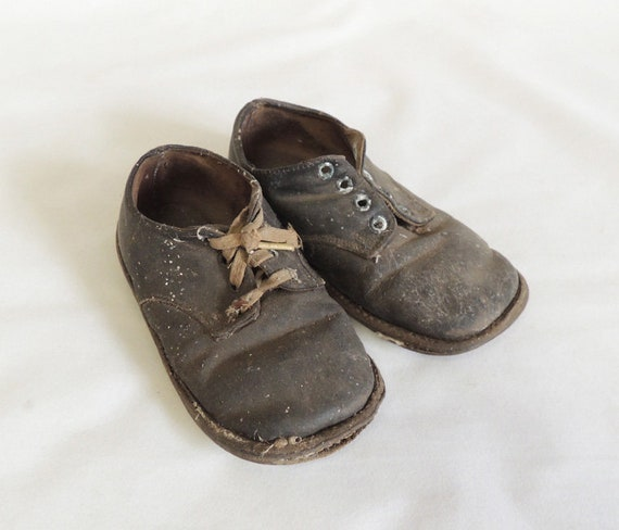 Vintage Pair Baby Child Toddler Shoes Brown Leather Boys Distressed Shabby