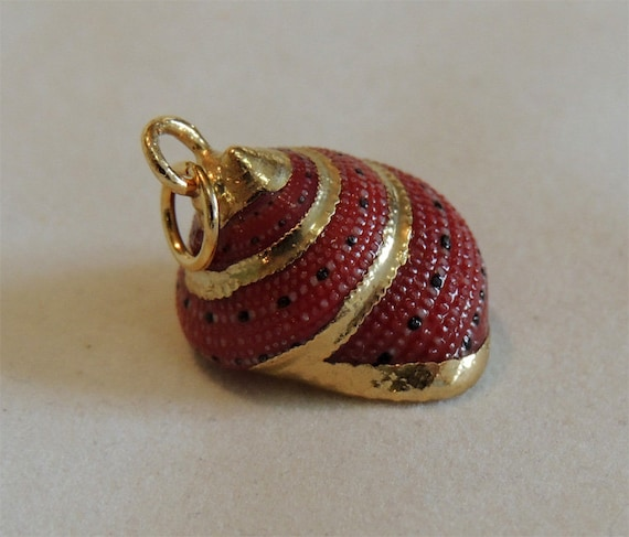 Vintage Real Genuine Natural SEASHELL SEA SHELL Pendant With Gold Gilded Trim (No. 4)