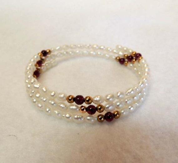 Vintage Coil Bracelet.. FRESHWATER PEARLS & AMETHYST.. Expandable