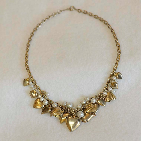 Vintage 15 PUFFY HEARTS & Faux Pearls Sweetheart Charm Choker Necklace