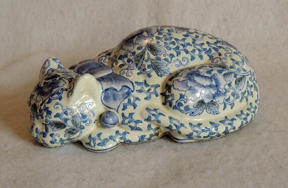 Sleeping Cat Figurine Antique Chinese Porcelain Mark.. Blue & White Opium Pillow