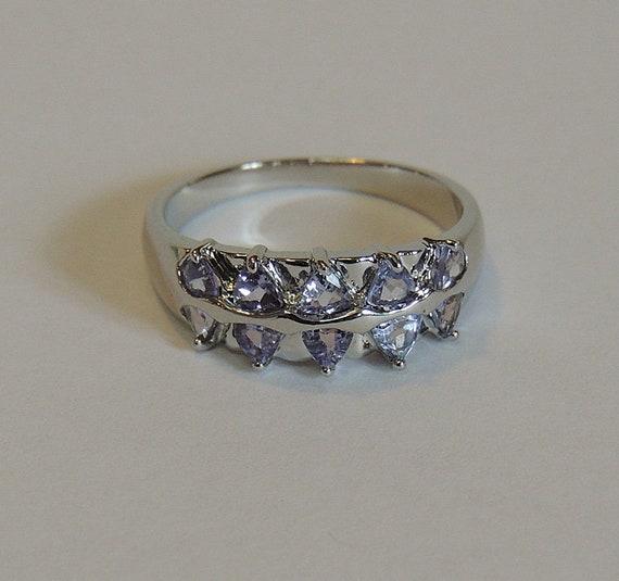 Vintage 925 Sterling Silver Lavender Amethyst Gemstone Ring.. Size 9