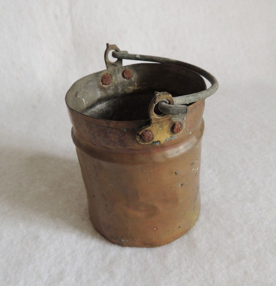 Vintage Well Crafted / Hand Wrought Miniature Copper Pale / Kettle / Bucket