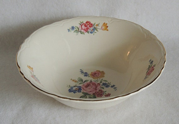 "Vintage Scio Pottery 8.5"" Serving Bowl In Hazel Pattern.. Cottage Floral USA (#3)"