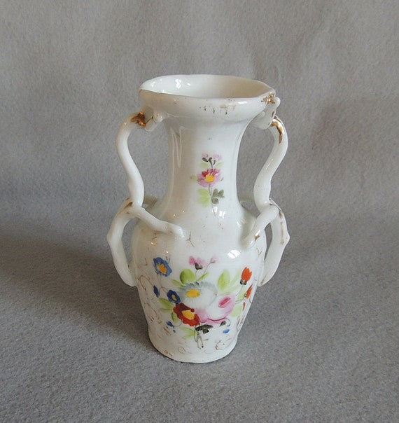 "Antique Victorian Hand Painted Porcelain 5.5"" Vase.. Twisted Branch Handles"