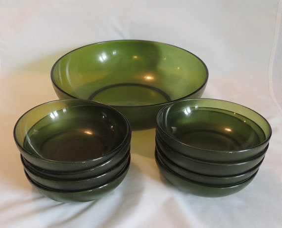 Mid Century 9 Piece Plastic Salad Bowl Set.. Olive Green