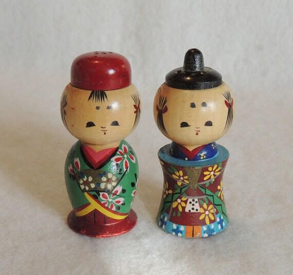 Vintage 1940s Rare Wooden Japanese Kokeshi Doll Salt & Pepper Shaker Set