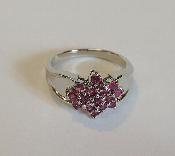 Vintage 925 Sterling Silver Pink 15 Cluster Gemstone Ring.. Size 9