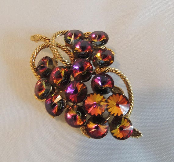 Vintage Estate Stunning Watermelon Rivoli Rhinestone Pin Brooch.. Grape Cluster
