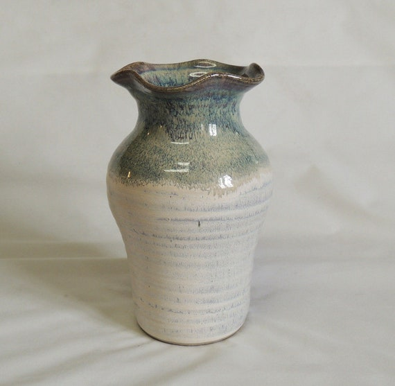 "Vintage Hand Thrown NW Artisan Studio Pottery Vase.. Pinch Pot.. 7.5"" Signed"