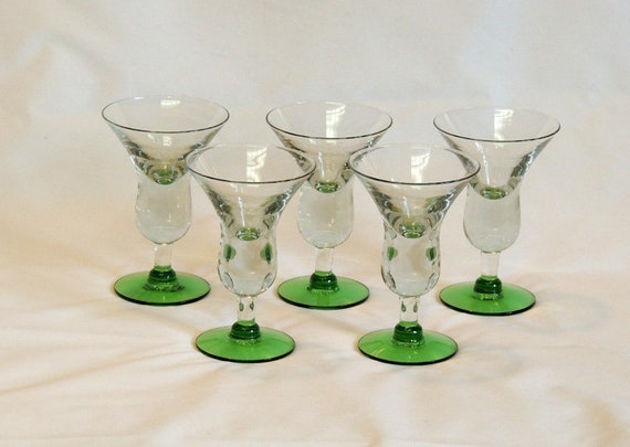 Set Of 5 Vintage Retro Green Base Martini Cocktail Glasses.. Weighted Stems