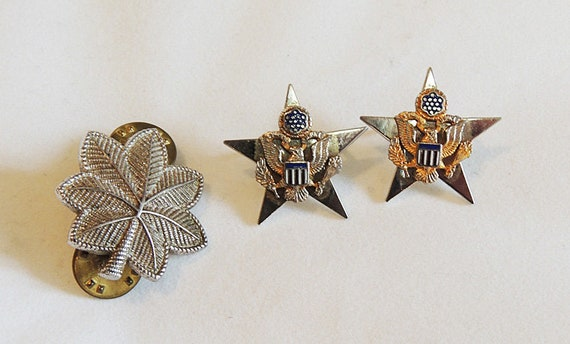 "3 Military Vintage Pins.. 1"" Oak Leaf & 2 Stars With Eagle.  All Sterling Silver"