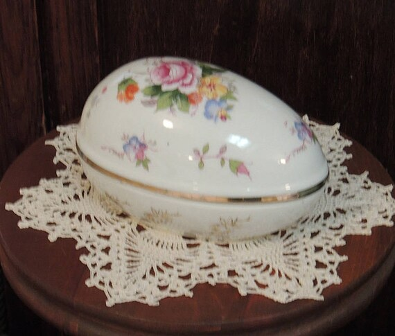Vintage Porcelain EASTER EGG Trinket Box With Lid Floral & Gold Design By Shackman (#3)