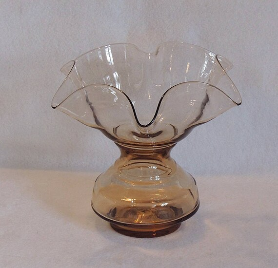 Vintage Blown Glass 8 Inch Ruffled Handkerchief Vase.. Smoky Peach Color