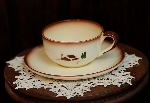 Vintage Mid- Century 1940s-50s BROCK OF CALIFORNIA Cup & Saucer.. Farmhouse Pattern