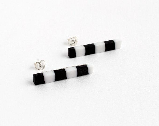 Street Lines Black & White Earrings