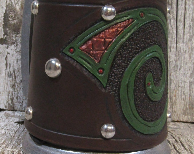 Hand tooled leather covered 16 oz tankard Celtic spiral