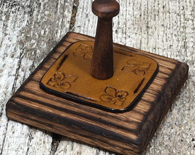 Leather and oak wood ring holder fleur de lis yellow