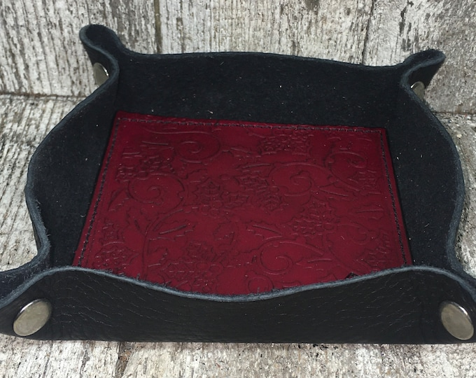 Leather dice catch all tray festive Holly leaf red
