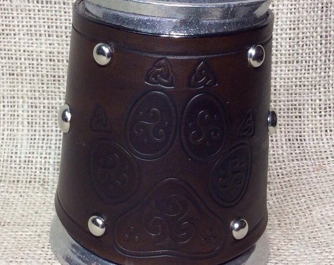 Leather Metal 16 oz tankard beer ale Scottish Irish celtic wolf paw print totem