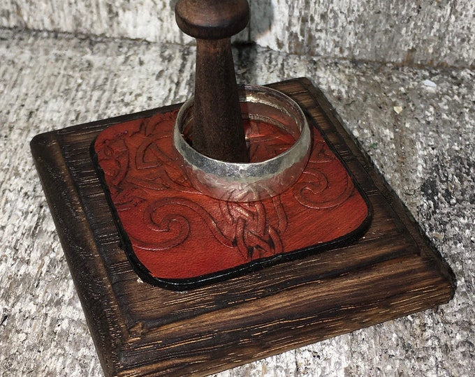 Leather and oak wood ring holder