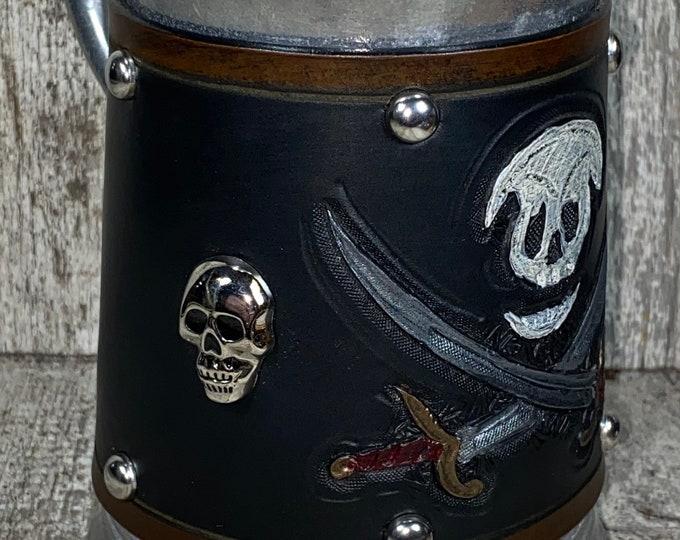 Hand tooled Pirate skull and crossed swords tankard mug 36 oz