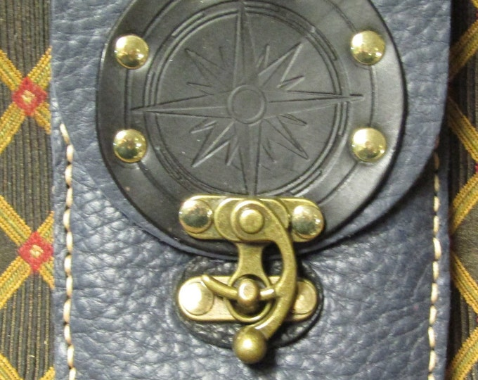 Leather utility belt pouch compass rose