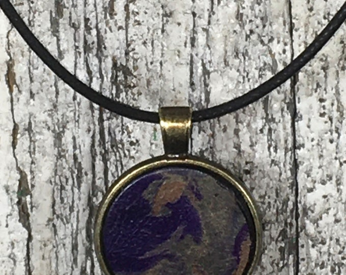 Marbled leather necklace antique gold