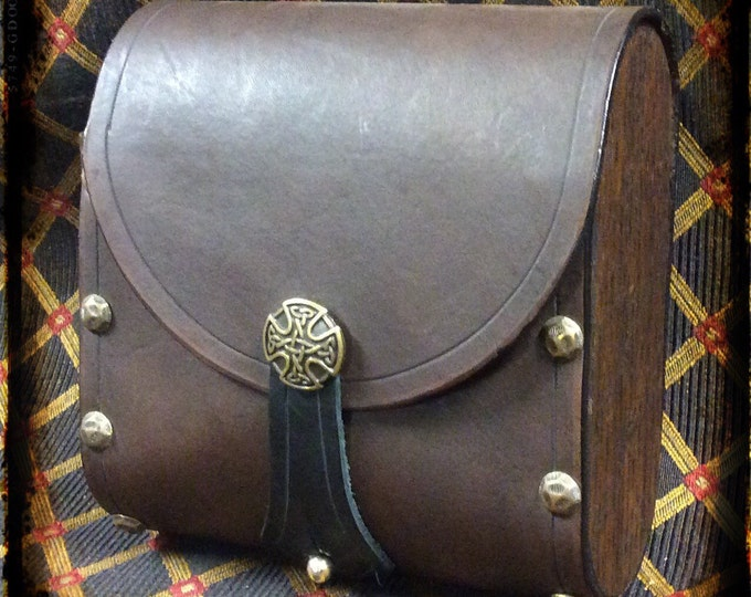 Celtic plain leather belt pouch