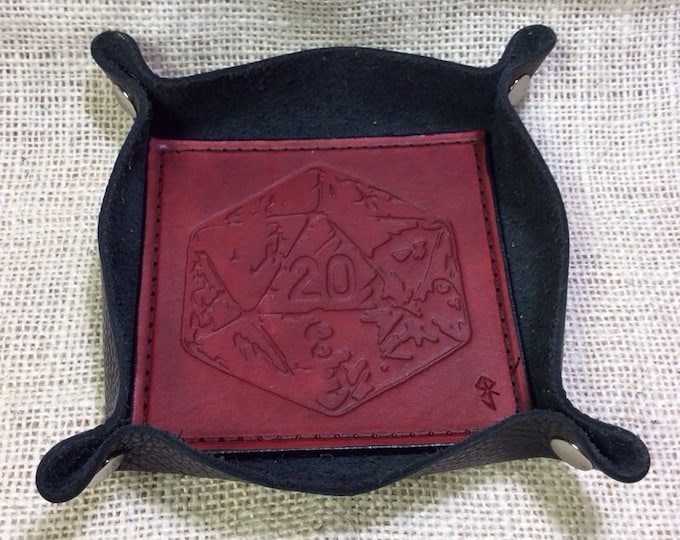 Leather dice catch all tray d20 design