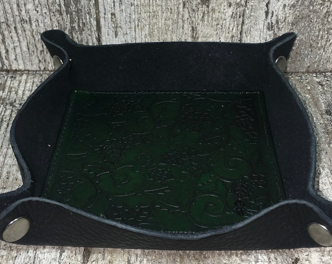 Leather dice catch all tray festive Holly leaf green