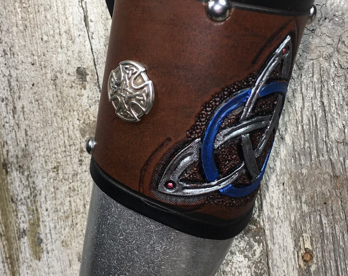 Hand tooled Leather Metal 24oz drinking horn Celtic tri-knot beer ale