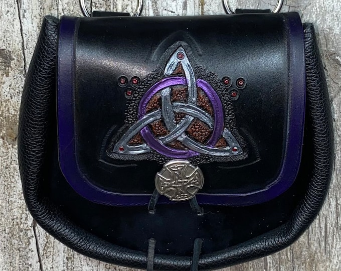 Celtic tri-knot hand tooled sporran belt pouch leather