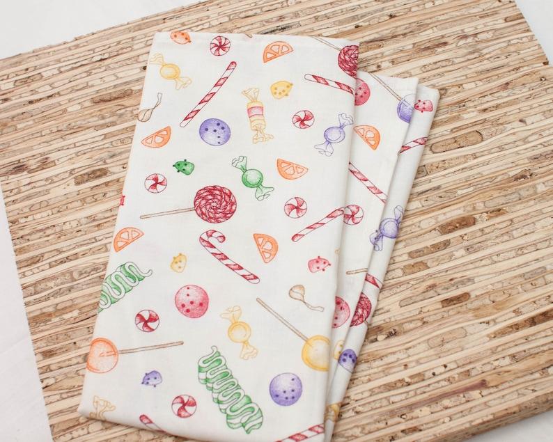 Set of 4 - - Christmas Holiday Candy Modern Reusable Fabric Napkins Large Cloth Napkins N7183