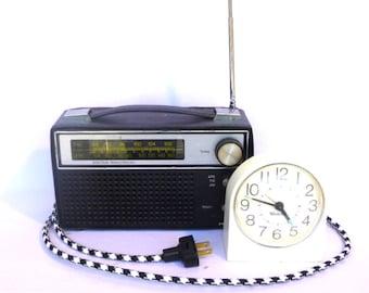 VINTAGE PRECOR RADIO/ New Cord