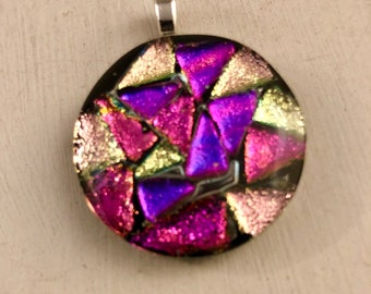 Pink and purple round pendant