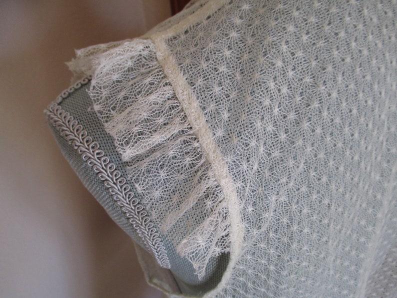 Vintage Sleeveless Ruffled Lace Blouse