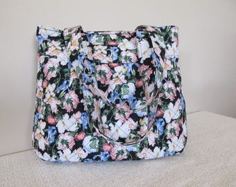 Pretty Floral Pleated Shoulder Bag