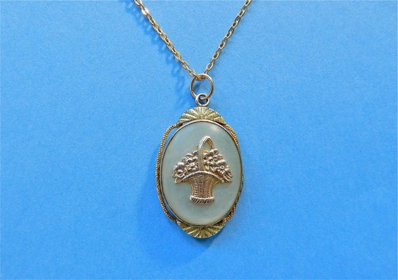 Vintage Locket Mother of Pearl Flower Basket Gold… - image 5