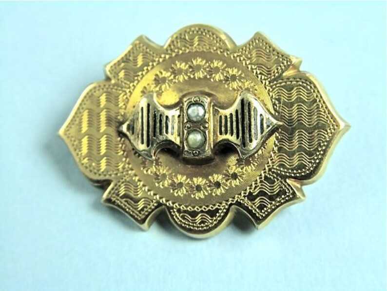 No. 1171 Mid Victorian 18k Gold Pin with Seed Pearls