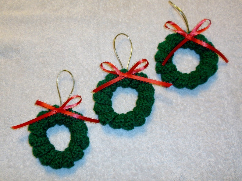 Tiny Crochet Christmas Wreath Ornaments Set Of 3 Etsy