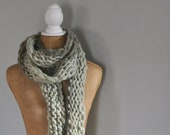Bulky, Wrapping, Scarf, Handspun Yarn, Handknit Knit Scarf, Wool, Soft, Light Green, Yospun